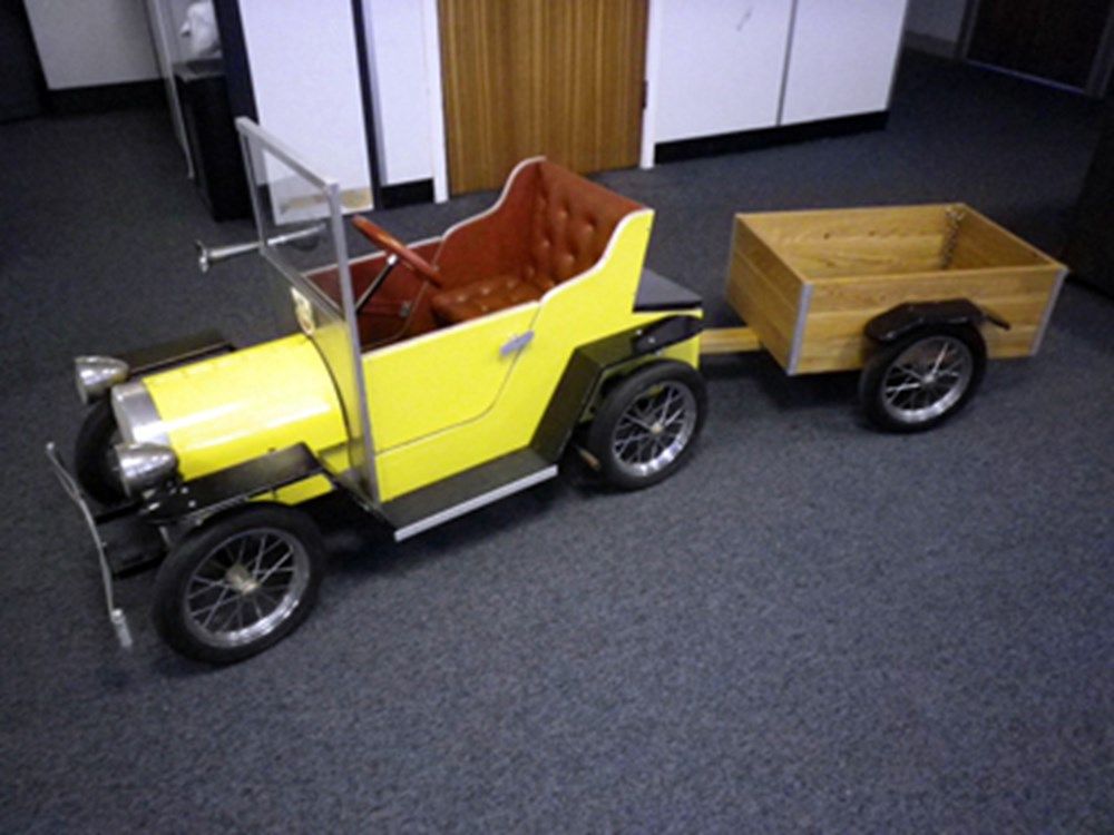 Lot 161 - Childes Electric car