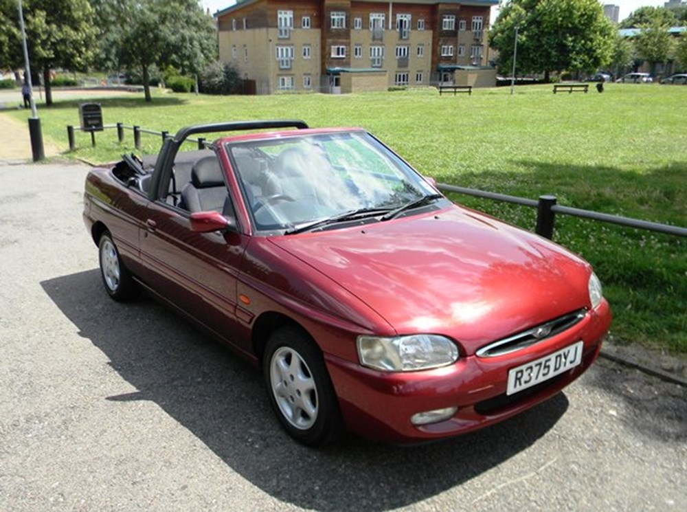 Lot 209 - 1997 Ford Escort Ghia Cabriolet
