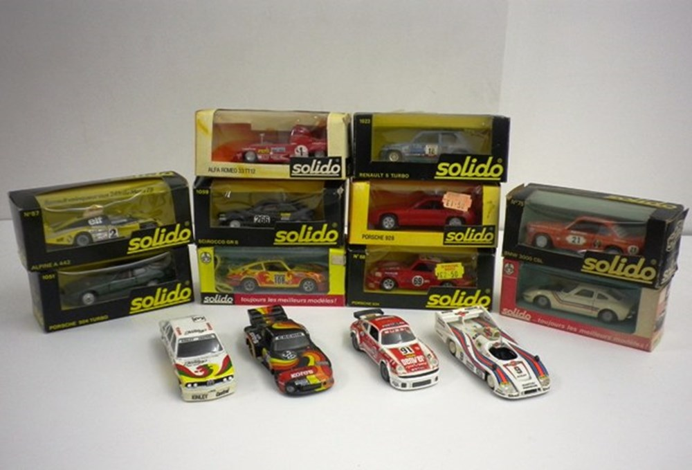 Lot 29 - 14 Solido die-cast model cars