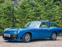 Navigate to Lot 111 - 1975 Jensen GT