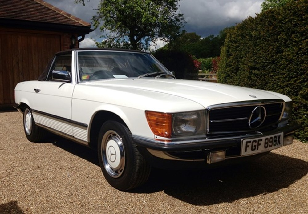 Lot 374 - 1982 Mercedes-Benz 280SL