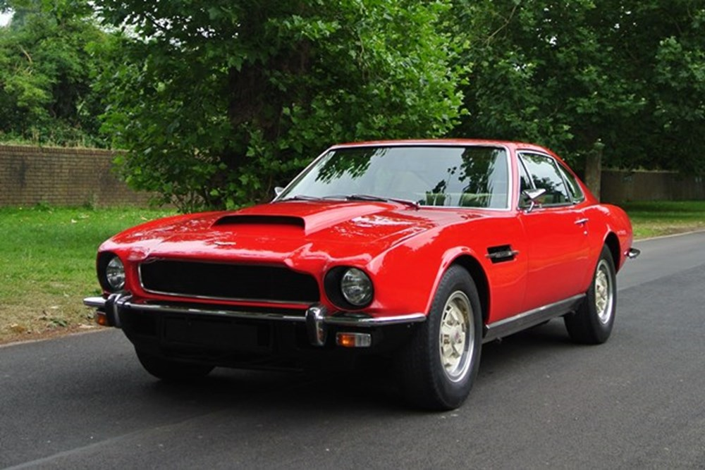 Lot 307 - 1977 Aston Martin V8 Saloon