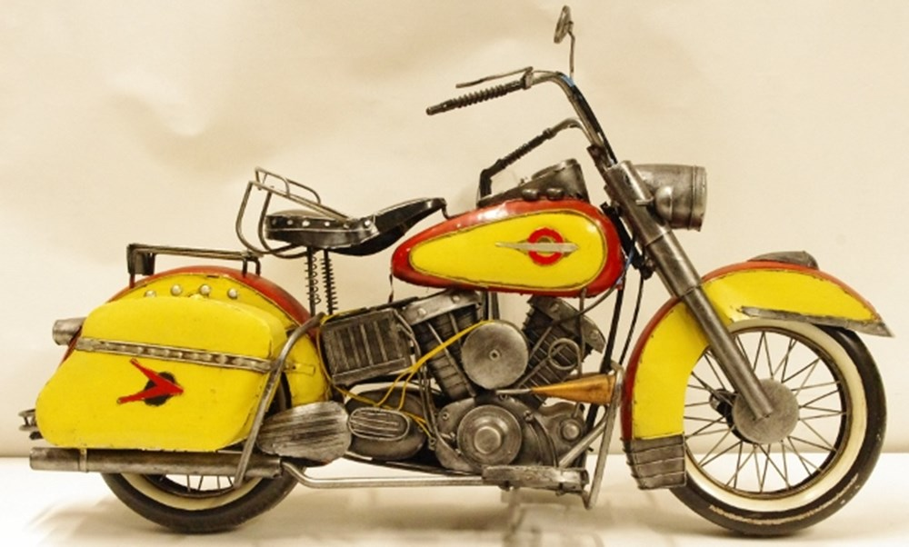 Lot 19. - Harley Davidson model.