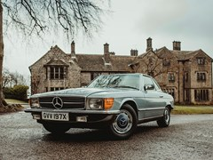 Navigate to Lot 117 - 1982 Mercedes-Benz 380 SL Roadster