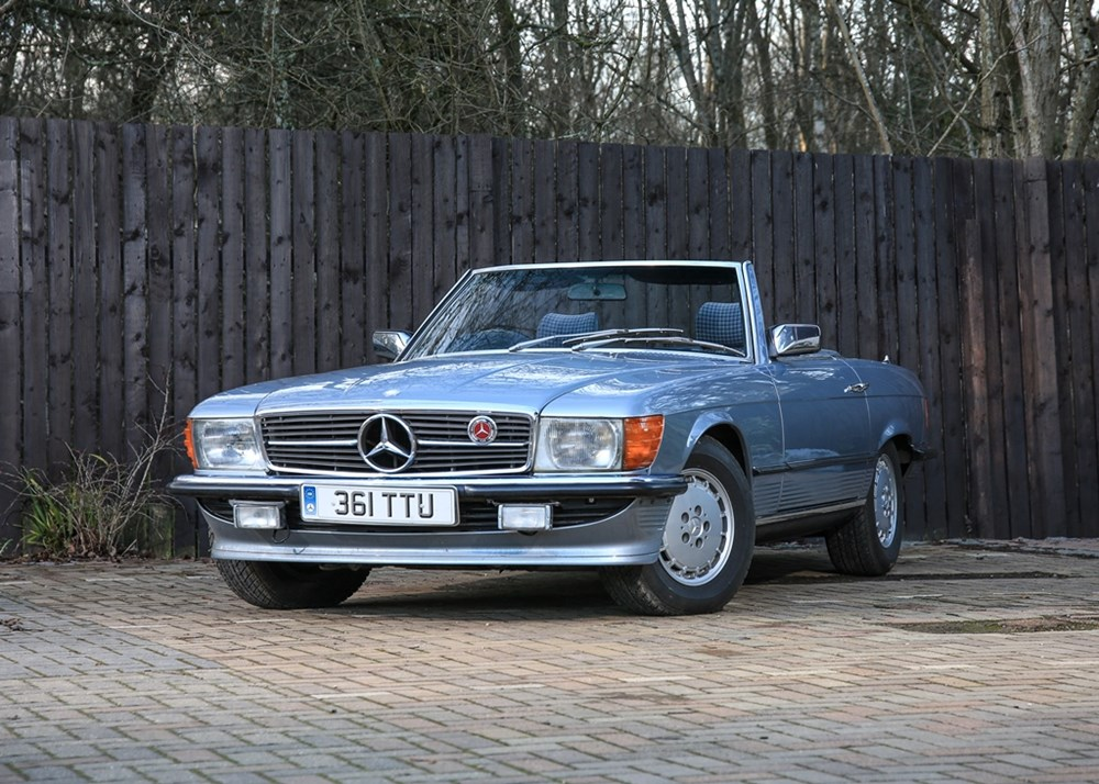 Lot 121 - 1983 Mercedes-Benz 380 SL Roadster