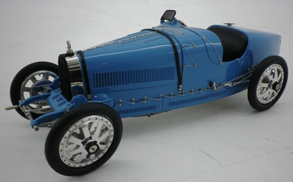 Lot 061 - Bugatti Type 35 Model