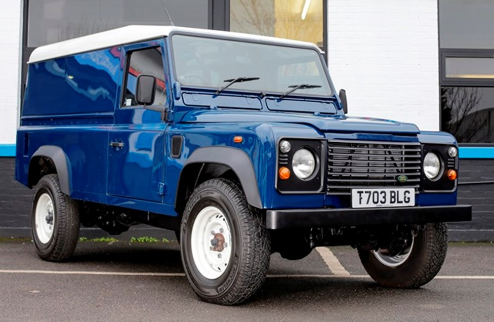 Lot 214 - 1999 Land Rover Defender 110 Td5