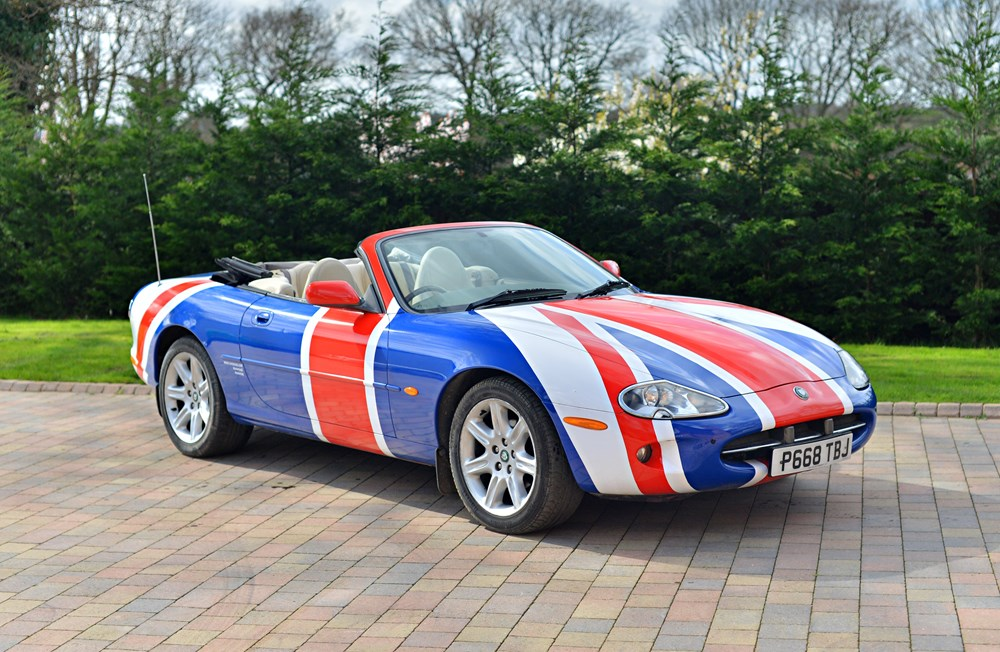 Lot 247 - 1997 Jaguar XK8 Convertible