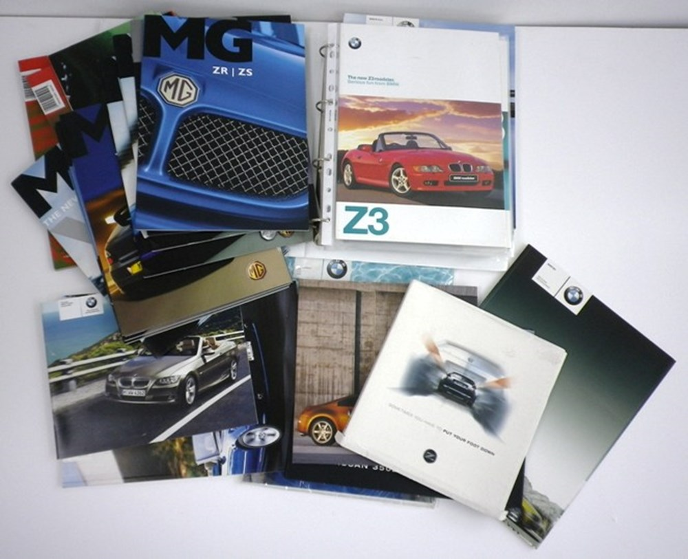Lot 001 - Modern MG, Nissan and BMW brochures