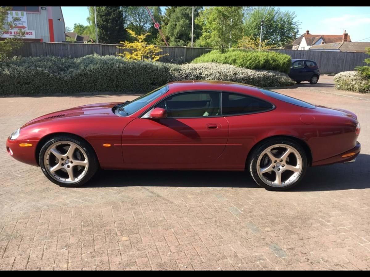 Ref 101 2000 Jaguar XKR Coupé