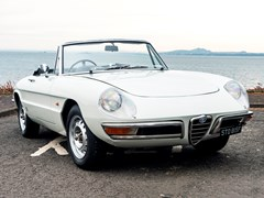 Navigate to Lot 177 - 1967 Alfa Romeo Duetto 1600 Round Tail Spider