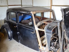 Navigate to Lot 101 - 1934 Bentley 3½-Litre Saloon Body