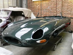 Navigate to Lot 385 - 1962 Jaguar E-Type Series I Roadster