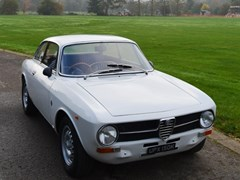 Navigate to Lot 262 - 1972 Alfa Romeo Giulia GT 1300 Junior (2.0 litre)