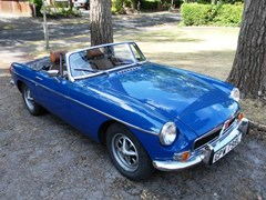 Navigate to Lot 240 - 1972 MG B Roadster