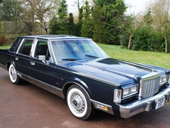 Navigate to Lot 277 - 1986 Lincoln Town Car 'Signature Series'