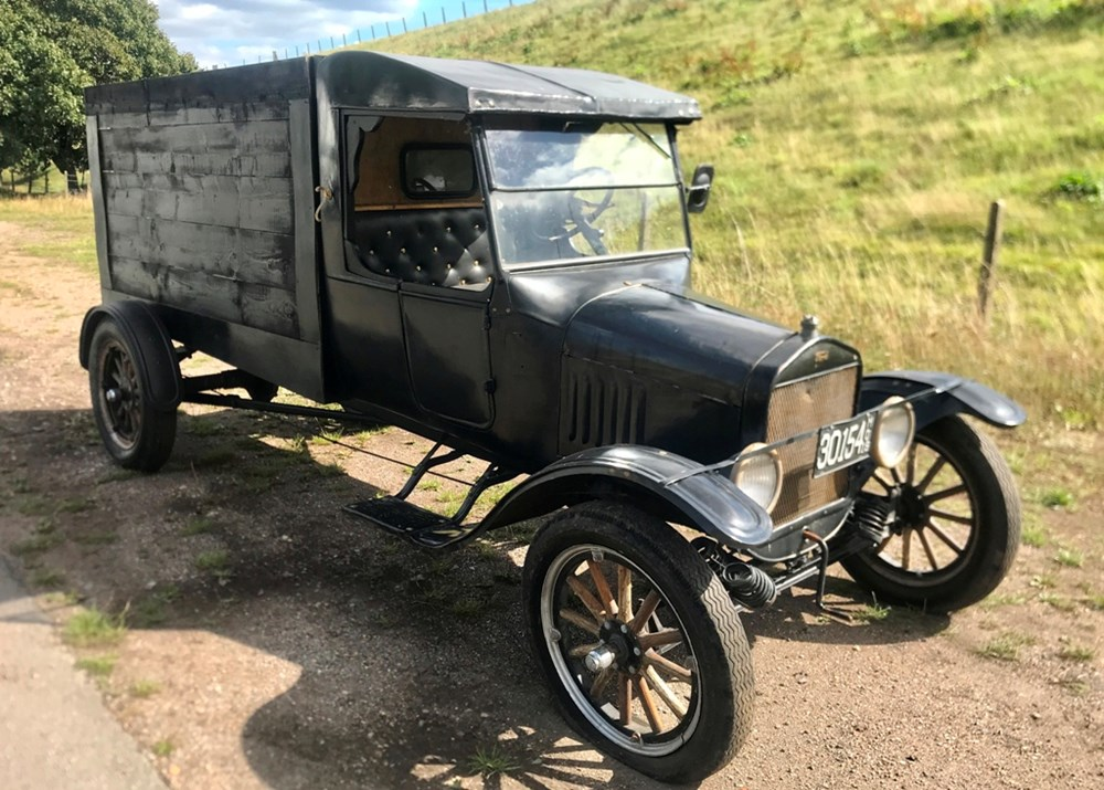 Lot 127 - 1924 Ford Model TT Box Truck