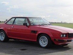 Navigate to Lot 252 - 1988 De Tomaso Longchamp GTSE