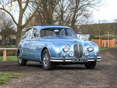 Navigate to Lot 186 - 1965 Jaguar Mk. II (3.4 litre)
