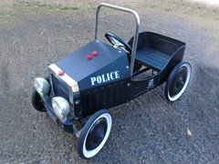 Navigate to Police pursuit child's pedal car ...