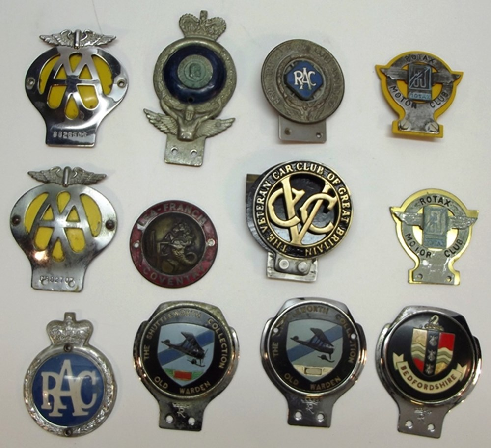 Lot 010 - Collection of motoring badges