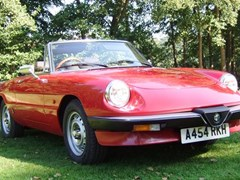 Navigate to Lot 251 - 1984 Alfa Romeo 2000 Series III Spider