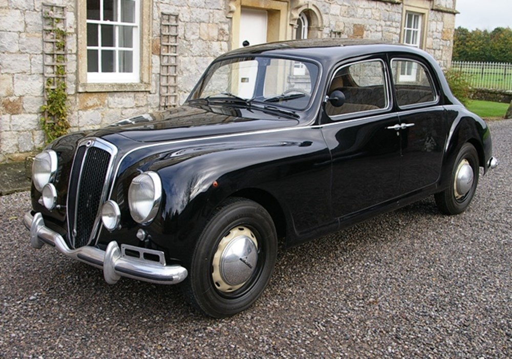 https://www.historics.co.uk/media/606098/1953_lancia_aurelia_b10_s.jpg?anchor=center&mode=crop&width=1000