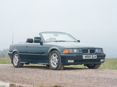 Navigate to Lot 267 - 1995 BMW 328i Convertible