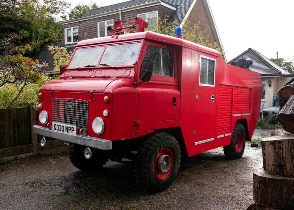 Lot 260 - 1968 Land Rover Series IIa 'Firefly' Fire Engine