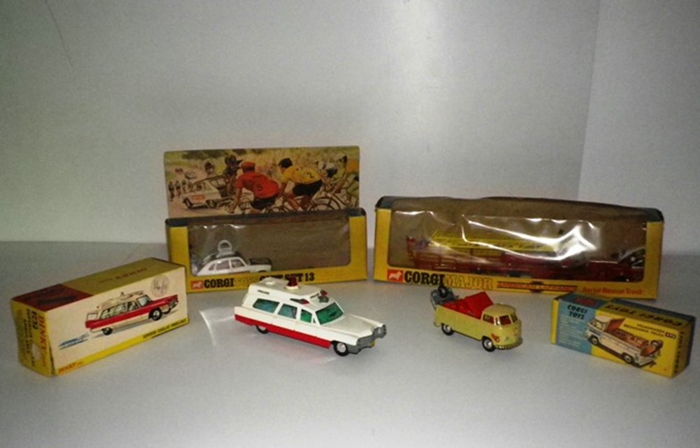 Lot 27 - Four die-cast models