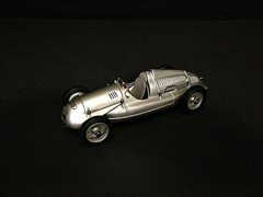 Navigate to 1938/39 Auto-Union type 'D' model