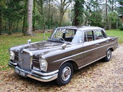 Navigate to Lot 212 - 1964 Mercedes-Benz 220S Fintail