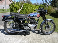 Navigate to Lot 339 - 1961 BSA Rocket Gold Star 650 Replica