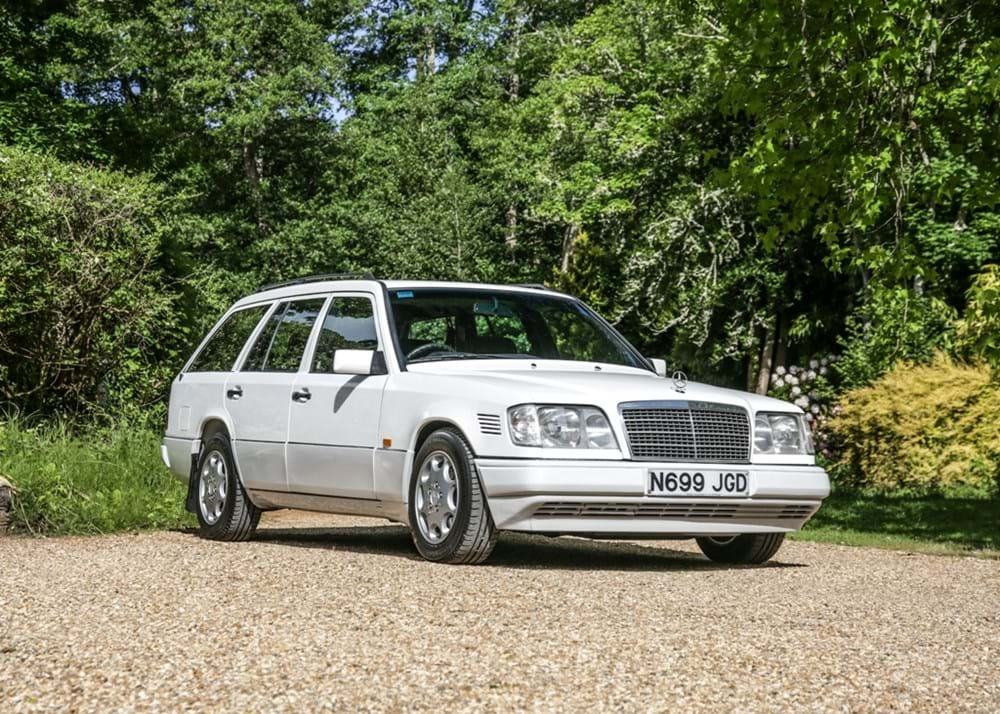 Lot 274 - 1995 Mercedes-Benz E300 D