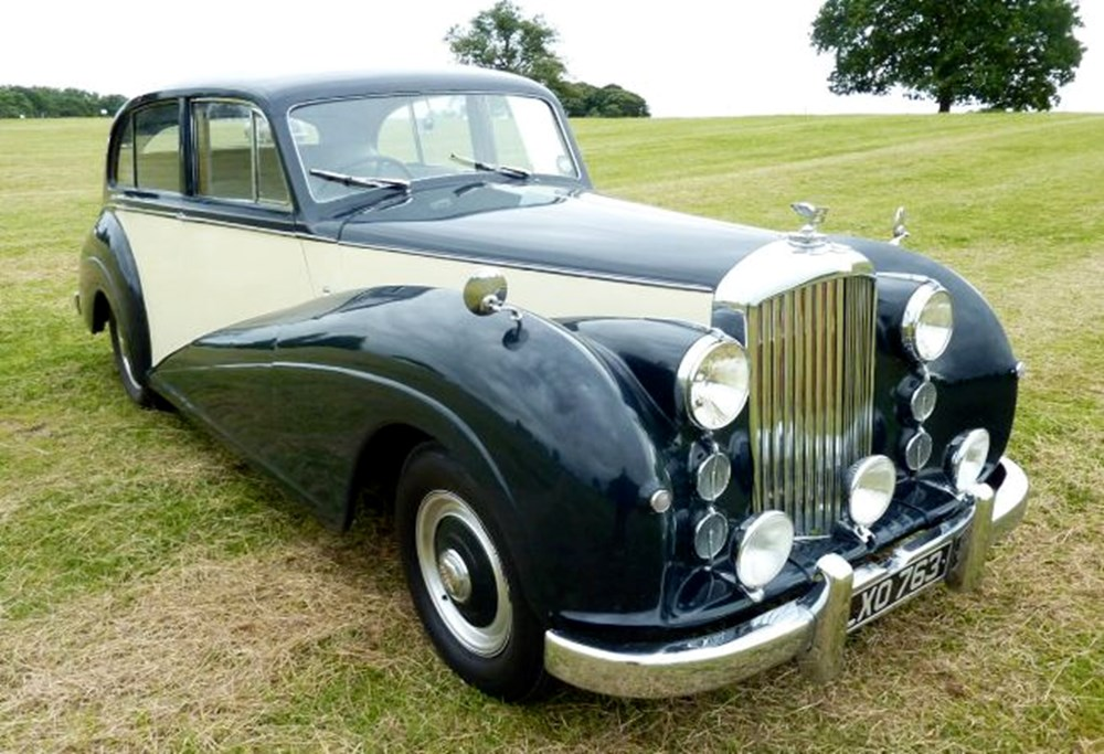 Lot 61 - 1952 Bentley Mark VI Saloon by James Young