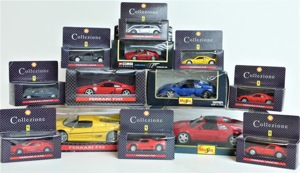 Lot 022 - Ferrari models.