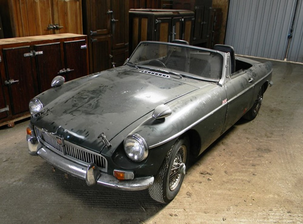 Lot 365 - 1963 MG B Roadster