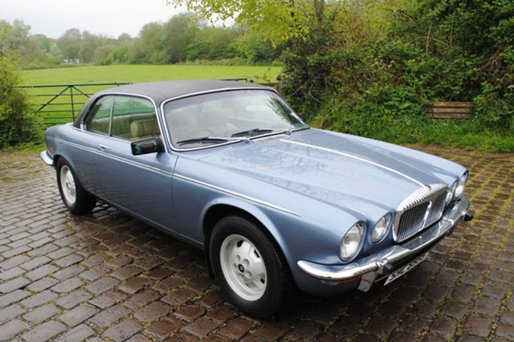 Lot 451 - 1978 Daimler Double Six Pillarless Coupé