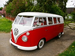 Navigate to Lot 398 - 1966 Volkswagen Split Screen Camper