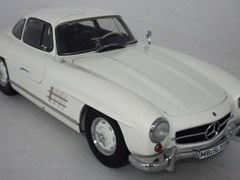 Navigate to Mercedes-Benz 300 SL Model