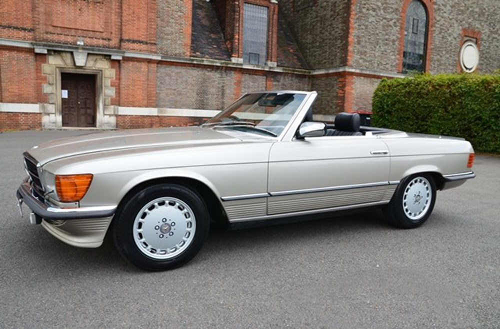 Lot 241 - 1986 Mercedes-Benz 500 SL Roadster