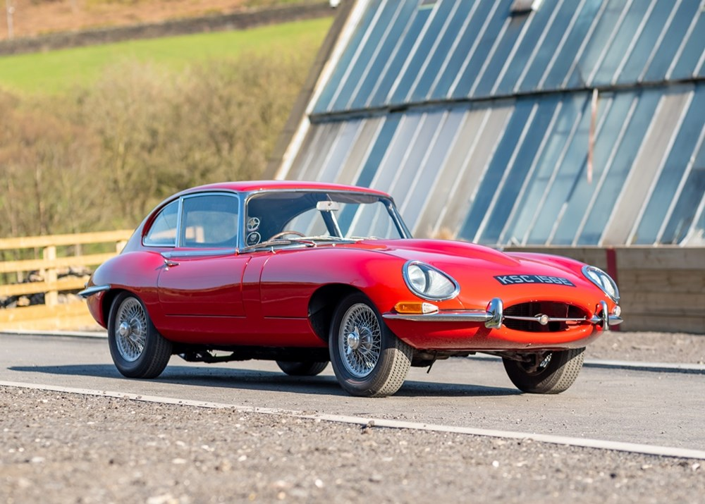 Lot 195 - 1966 Jaguar E-Type Series I Fixedhead Coupé (2+2, 4.2 litre)