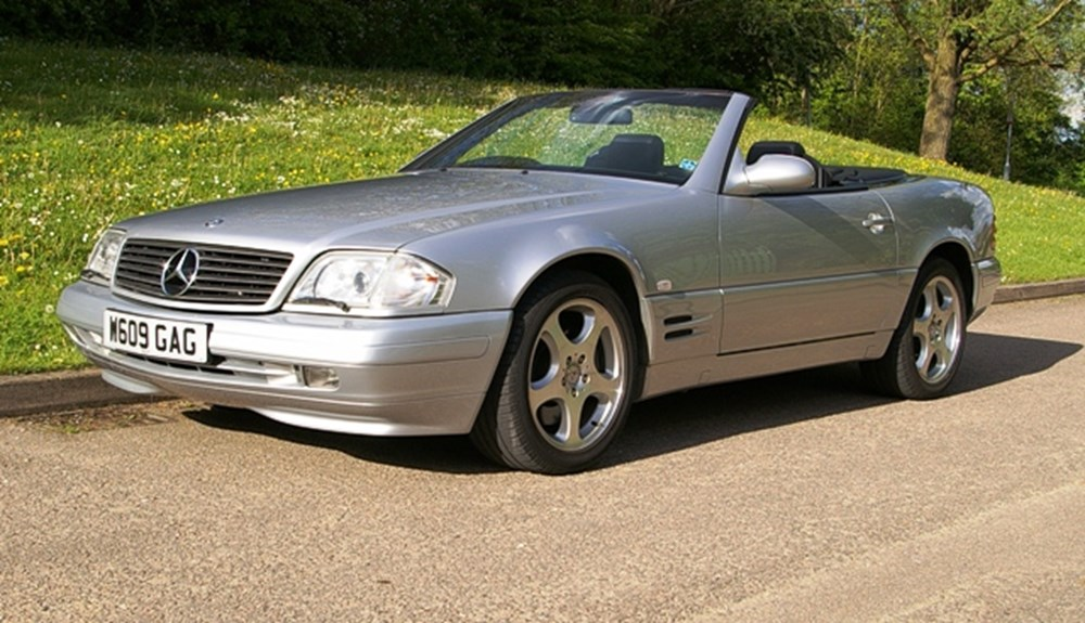 Lot 311 - 2000 Mercedes-Benz SL 320