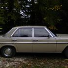 1975 Mercedes-Benz 200 saloon -