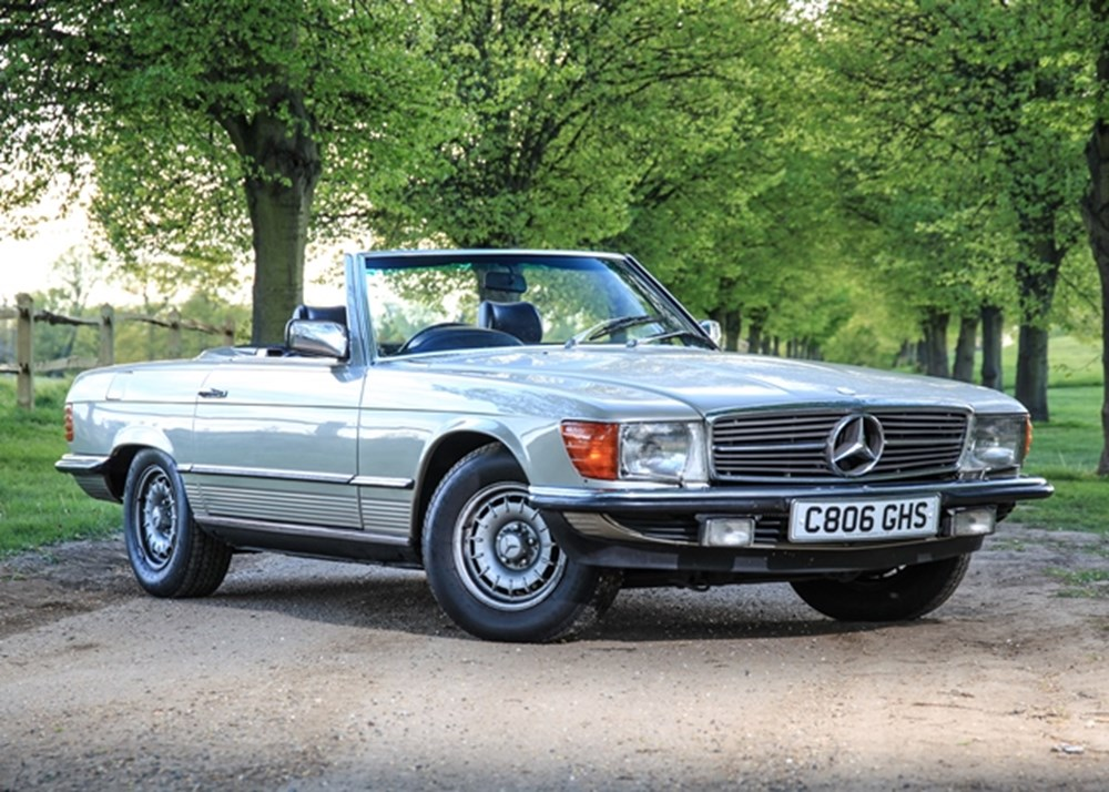 Lot 197 - 1985 Mercedes-Benz 500 SL Roadster