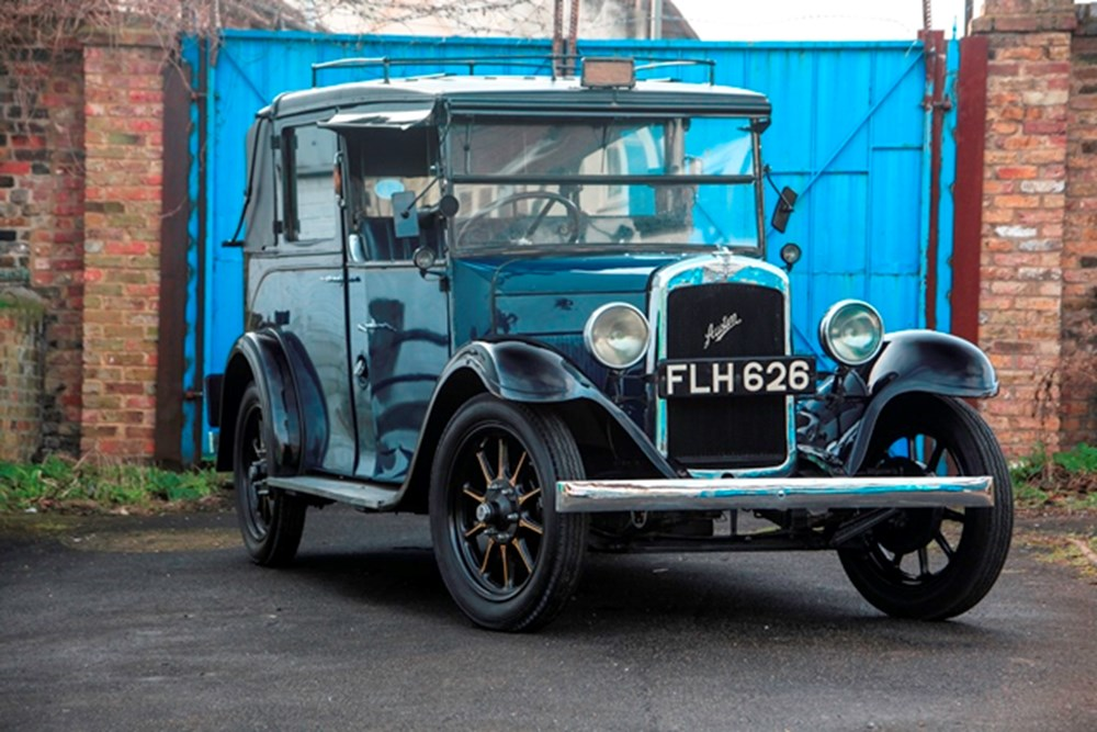 Lot 194 - 1939 Austin Heavy 12/4 Low Loader London Taxi