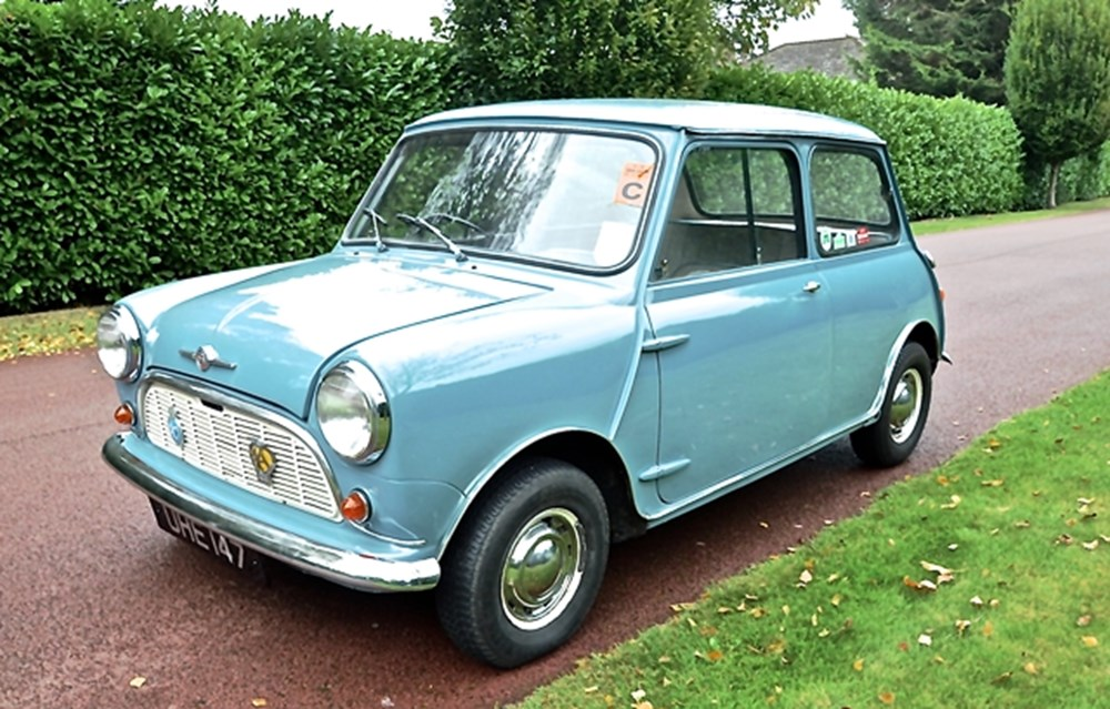 Lot 241 - 1960 Morris Mini Minor Deluxe
