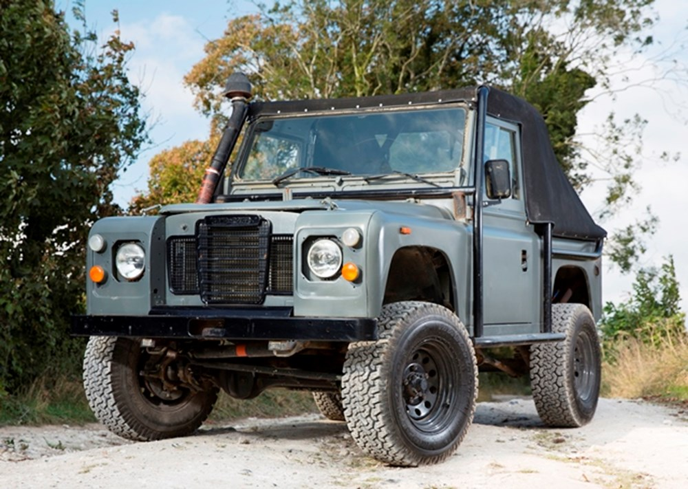 Lot 185 - 1994 Land Rover Defender 90 - 'The Man from U.N.C.L.E.'