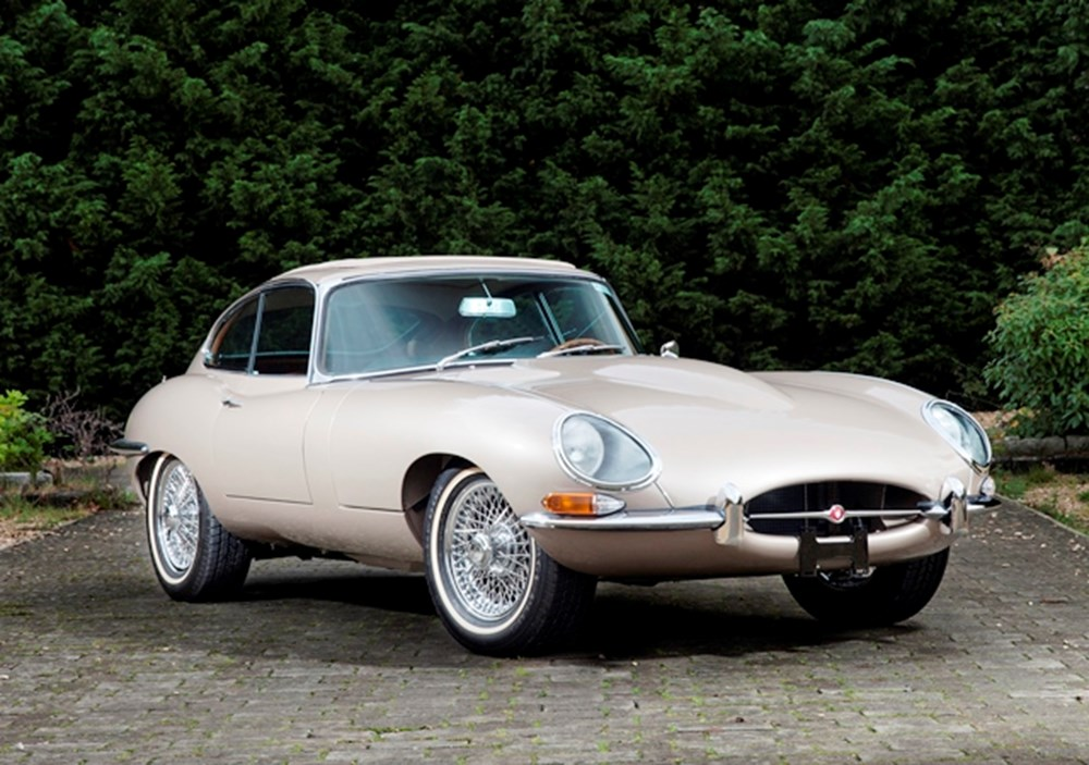 Lot 295 - 1963 Jaguar E-Type Series I Fixedhead Coupé
