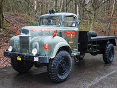 Navigate to Lot 284 - 1964 Commer Q4 Dropside Lorry